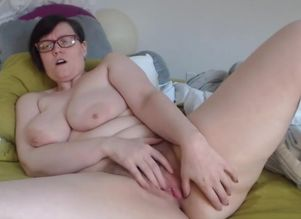 Jerking Plus-size with tender saggy..