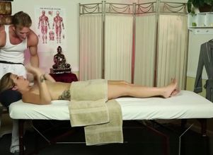 Rubdown stunner bj's the masseuse