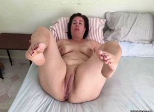 Plus-size mummy mature mother plump..