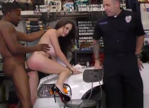 Big-titted cougar cuckolds cop