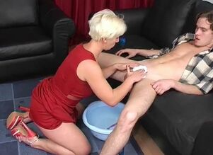 Russian cougar trims and deep throats..