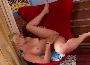 Naked Sole Blondie - Piss & Have fun