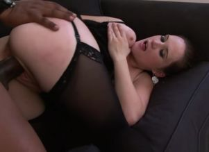 Buxomy stunner in stocking gets blacked